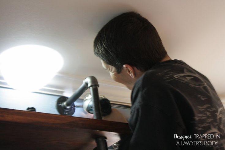 DIY Rohrregale und eingebaute Schreibtische – #BuiltIn #desks #DIY #pipe #shelves