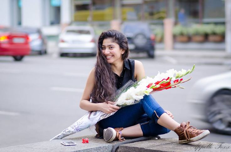 Sai Pallavi, is an Indian film actress best known for starring as Malar in the 2015 Malayalam blockbuster film Premam. She made her debut in the film with Nivin Pauly. She is to star in Kali with Dulquer Salmaan. Wikipedia Sai Pallavi Images – Unseen Photos– 1 of 7 Sai Pallavi Images – Unseen Photos– …