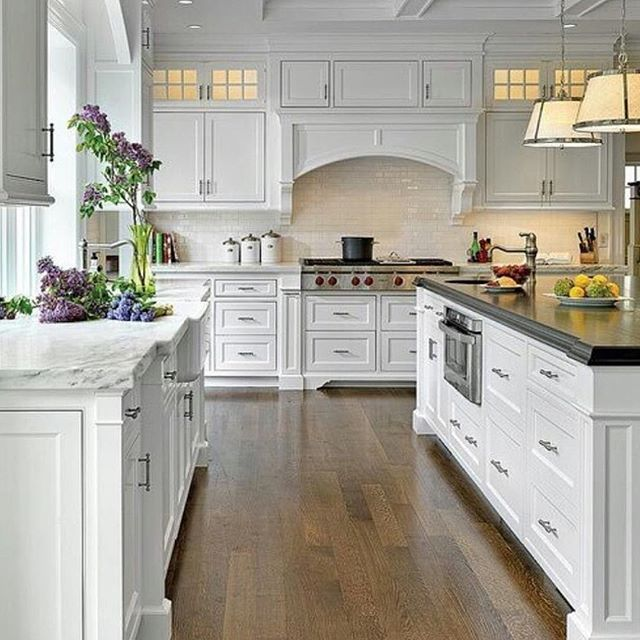 Maybe the best ever #hamptonsstyle kitchen we've seen. Don't you agree?… More