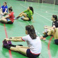 IMAGENS treino da equipe de handebol da Prefeitura de Maringá/Unimed no Ginásio Chico Neto - Blog do Orlando Gonzalez
