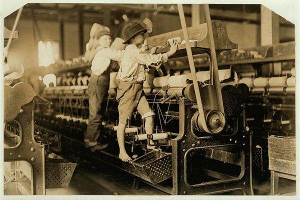 Льюис Хайн – автор снимков о том, как использовали детский труд в Америке (18 фото)