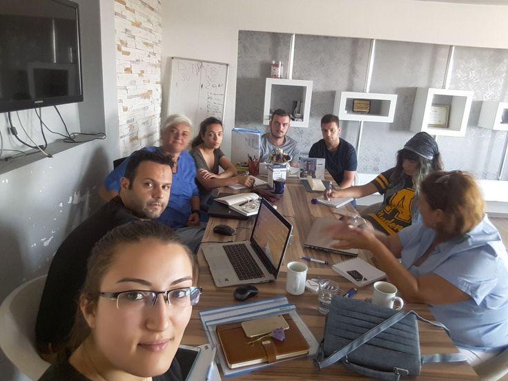 Bütün ekip toplandık haftaya basladik:)  #adacreative #adaajans #adareklamevi #reklamajansi #adaekibi #herkeseiyihaftalar #haftabaslasin