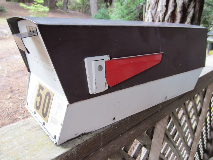 Original Leigh Midcentury Mailbox Vintage Retro Atomic Ranch | eBay. Date of manufacture: 1988. Sold for $159 plus $20 shipping. Great color combination!