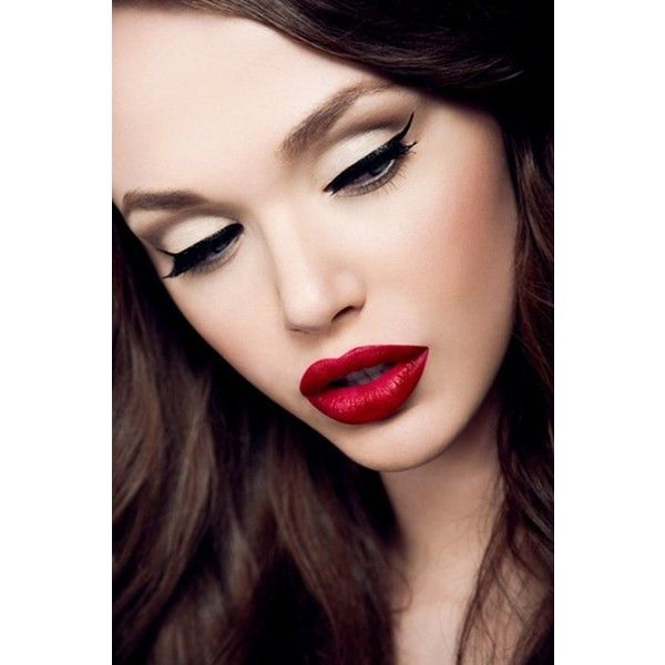 beauty, classic beauty, dark hair, eyeshadow, lips ❤ liked on Polyvore: Make Up, Cat Eye, Style, Makeup, Beauty, Hair, Red Lipstick, Redlips, Eyes