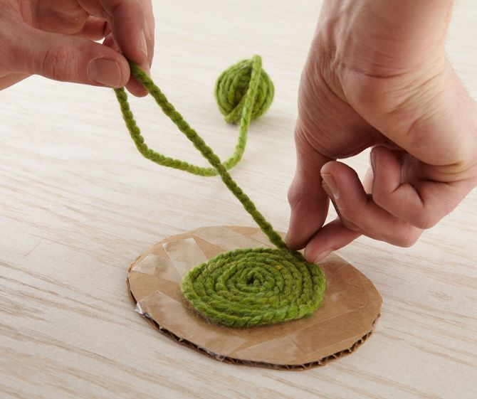 diy so much with this method. this is a cute dollhouse yarn rug! just use double sided tape to secure yarn! <3