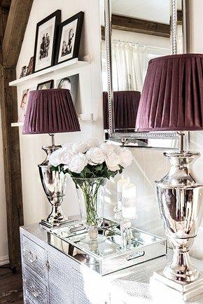 Victoria bordlampe stor, med plommefarget skjerm