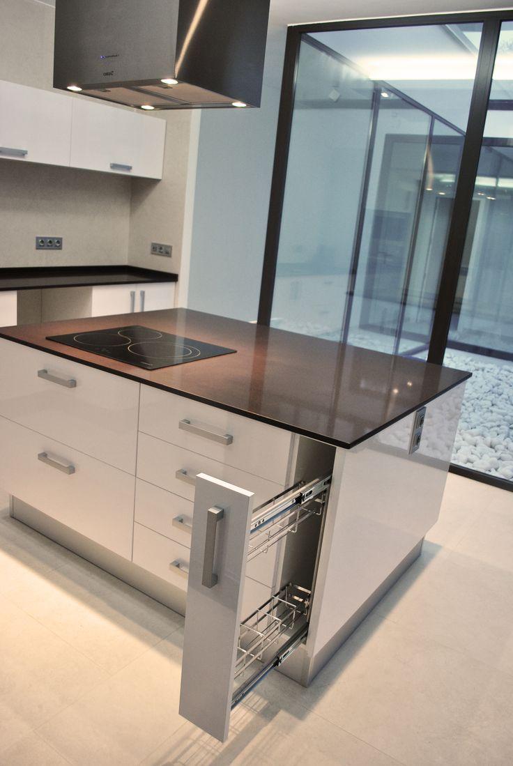 Ideas de cocina patio estilo contemporaneo color blanco gris gris dise ado por sans - Sans arquitectes ...