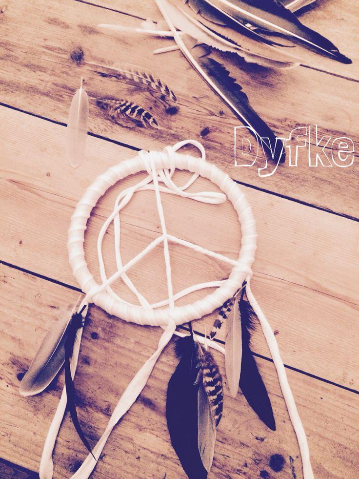 Peace feathers #dromenvanger #dreamcatcher #dyfke
