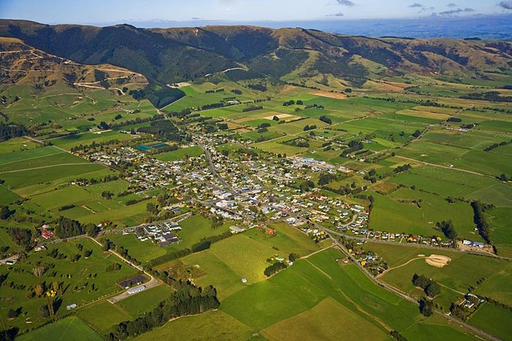 Tapanui, see more, learn more, at New Zealand Journeys app for iPad www.gopix.co.nz