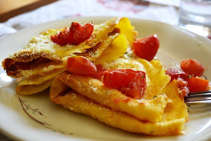 #crepes salate #prosciutto e crescenza http://blog.giallozafferano.it/tasteit/crepes-salate-crescenza-e-prosciutto/