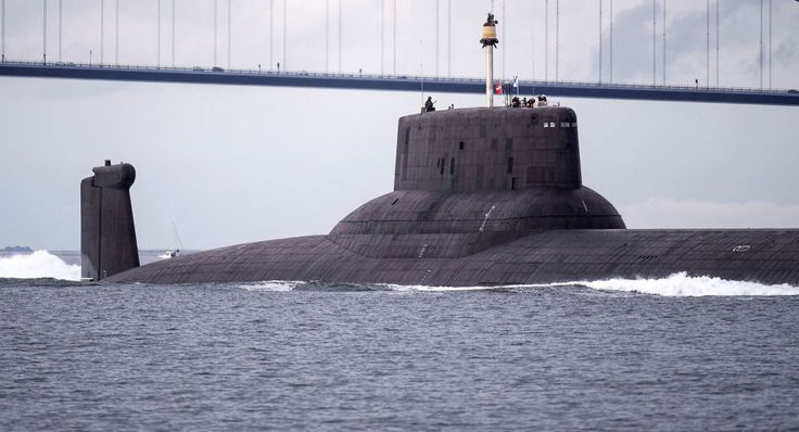 Noticia Final: Maior submarino nuclear russo impressiona europeus...