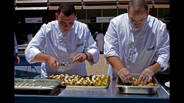 """Τα Εκπαιδευτήρια """"Le Monde"""" είναι γνωστά και και για την δημιουργία νέων chefs, που απασχολούνται σε κάθε κατηγορία και είδος επισιτιστικής επιχείρησης (Ξενο..."""