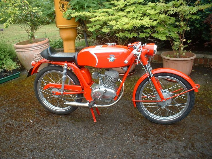 MV AGUSTA LIBERTY 1964 50cc ..probably one of the most beautiful things I have ever seen :O