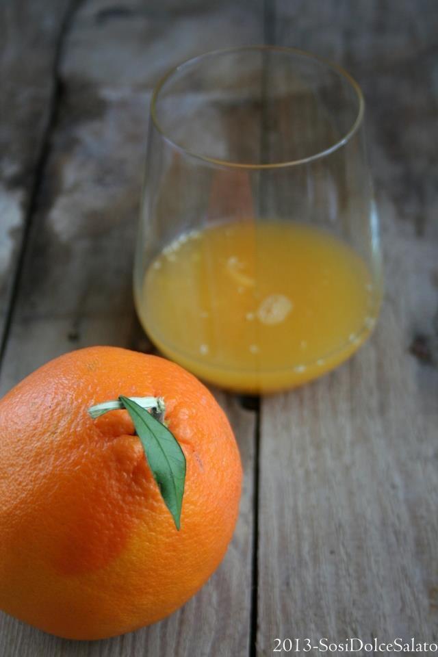 Arancia  Cosa c'è di più buono?  PER VOTARE QUESTA FOTO  http://www.dallapianta.it/blog/wp-content/plugins/wp-photocontest/viewimg.php?post_id=505_id=77