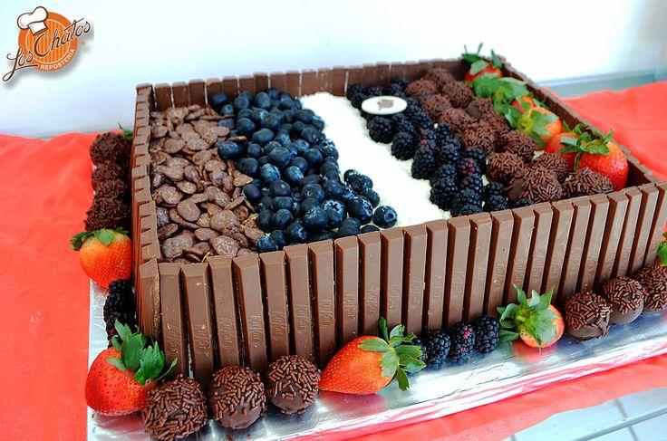Pastel especial #puertovallarta #cake #pasteles  loschatos.com