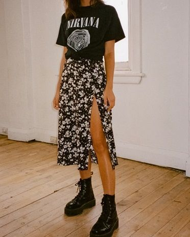 90s Inspiration | Grunge autumn outfit ideas | all black autumn outfits | vi …