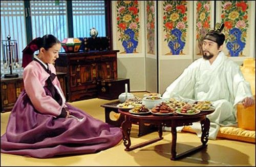 "Dae Jang Geum (Hangul: 대장금; hanja: 大長今;RR: Dae Jang-geum; MR: Tae Chang-gǔm; literally ""The Great Jang-geum""), also known as Jewel in the Palace, is a 2003 Korean television series.Starring Lee Young-ae in the title role, it tells the tale of an orphaned kitchen cook who went on to become the king's first female physician.  승은을 입은 연생"