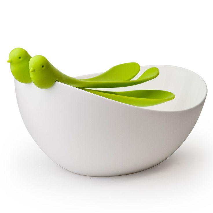 Questa insalatiera con posate Canarino è un dettaglio elegante e simpatico per la tavola. <br /> Le posate hanno la forma di due canarini che fanno sembrare l'insalatiera un nido.