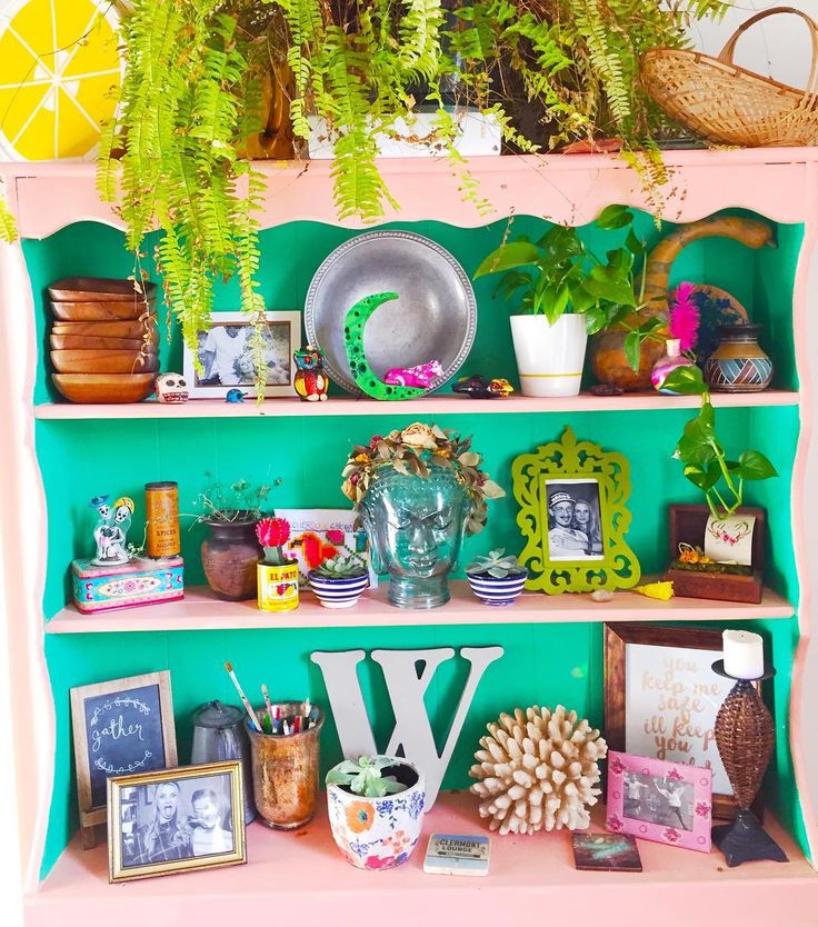 Shelfie : Game Level . Let's see some of your awesome collective shelfies… #bohoonthelowlow     #shelfie #jungalowstyle #urbanjunglebloggers #apartmenttherapy #ggathome #designsponge #currentdesignsituation #showmeyourboho #bohoismyjam #eclectic #eclectichome #myhomevibe #howyouhome #finditstyleit #moreismoredecor #uohome #freepeople #decorinspiration #boho #blush #hippie #thisiswhyihavetothriftshopeveryday #thriftscorethursday #thriftscore #hippie #micasa #lifeincolor #colorful #hygge