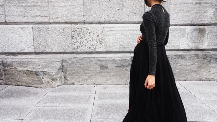 NOW ON THE BLOG: 2 ways to style your pleated skirt for fall! www.thefashionbump.com