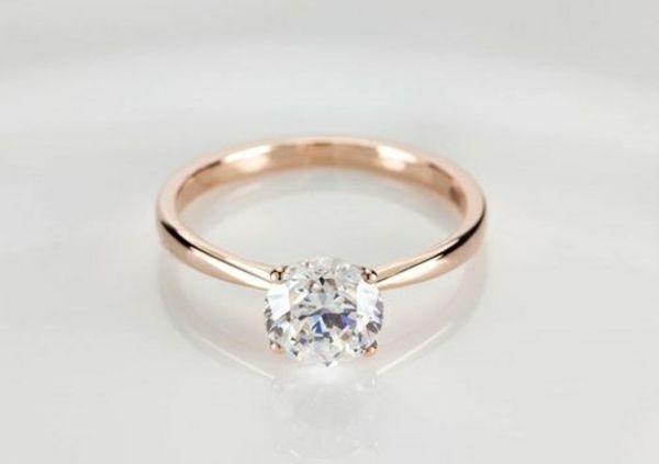 verlobungsring rotgold heiratsantrag ideen diamantring