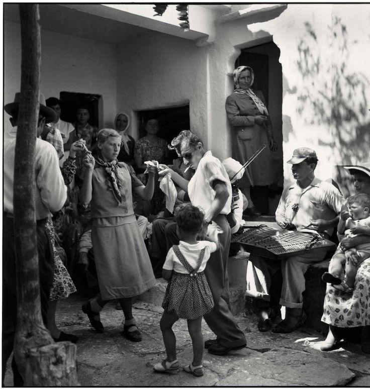 Robert Mc Cabe Mύκονος 1955 σε βάφτιση στην Ανω Μερά.