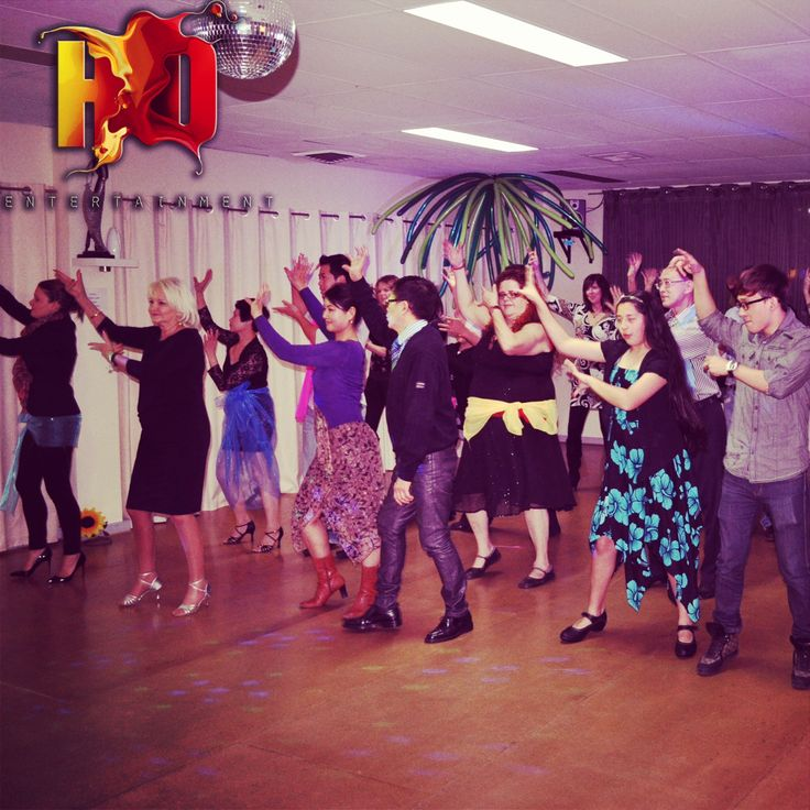 Bollywood group class.  Melbourne Dance Classes.  Www.hd-entertainment.com.au