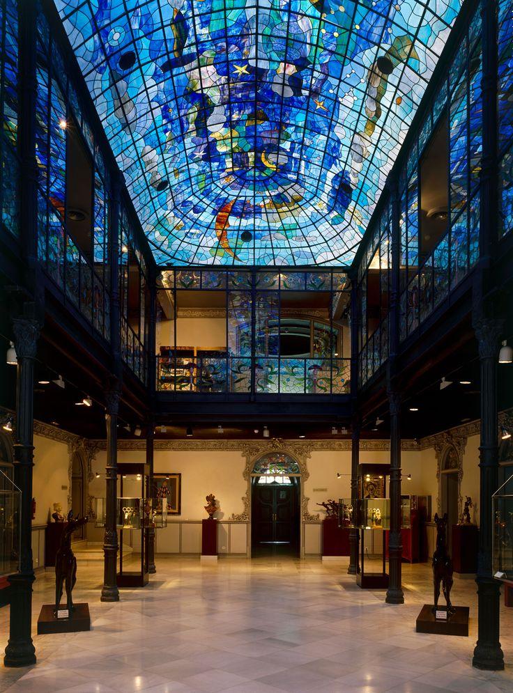 Patio interior Museo #CasaLis, de #Salamanca.   Fuente: http://www.museocasalis.org/