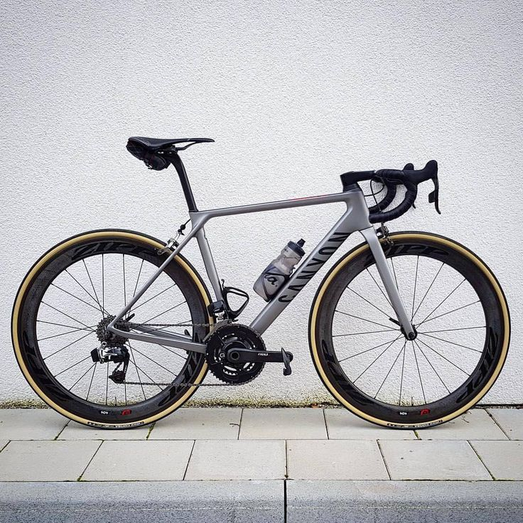 "1,523 Likes, 3 Comments - Best Bike Kit (@bestbikekit) on Instagram: ""Canyon Ultimate with Sram eTap, Quarq Power Meter and Zipp 404's with Vittoria Corsa tyres Pic…"""