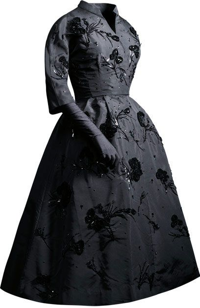 Vestido de cóctel en gros de Nápoles de seda negra. 1953. Cristóbal Balenciaga.