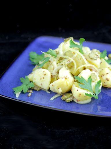 Salade de pommes de terre et cornichons - Recette de cuisine Marmiton : une recette