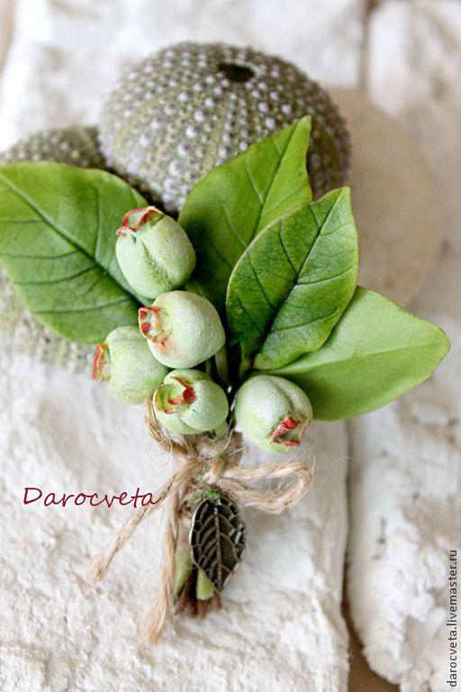 Garden/ Брошь №2 - зеленый,ягоды и листья,ягоды из полимерной глины,брошь