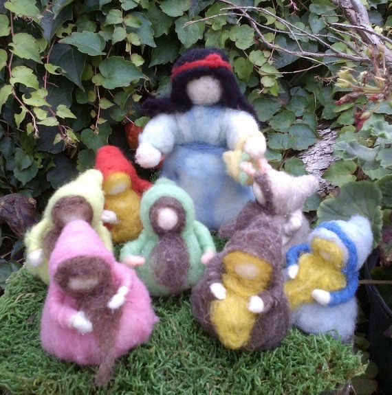 Snow White and The Seven Dwarfs - Needle Felted Dolls, Waldorf Nature Table