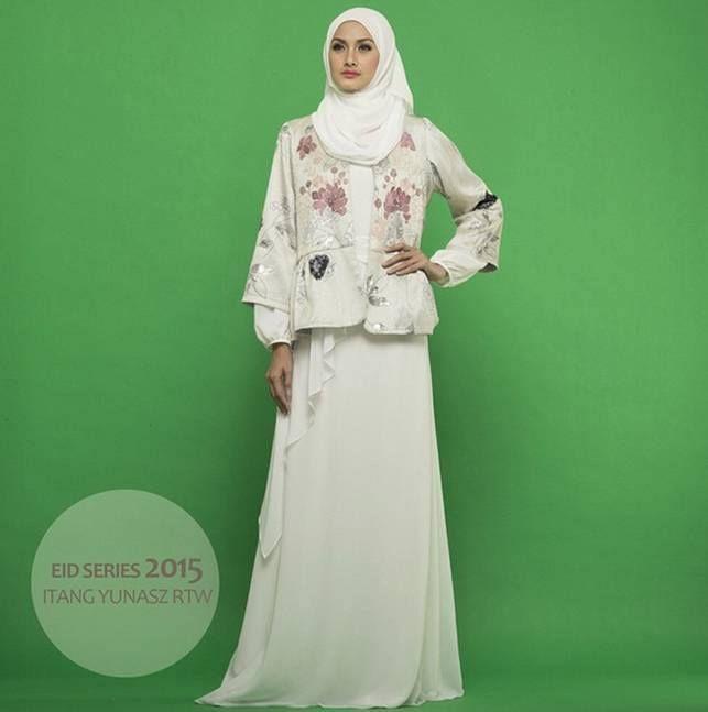 Eid Series by Itang Yunasz Ready To Wear  Untuk info dan pemesanan SMS/WA 085395385663 Line moshaictmks  #dress #hijab #hijabfashion #eidseries #fashion #itangyunasz