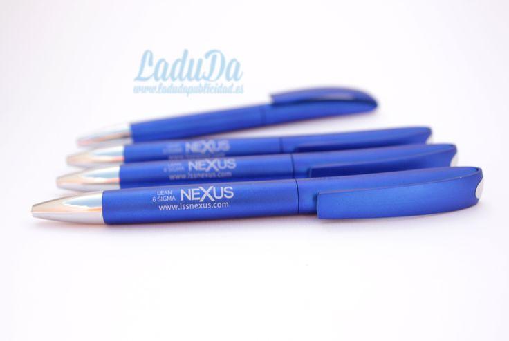 Bolígrafo personalizado Ines solid, ligero, fresco, práctico y económico