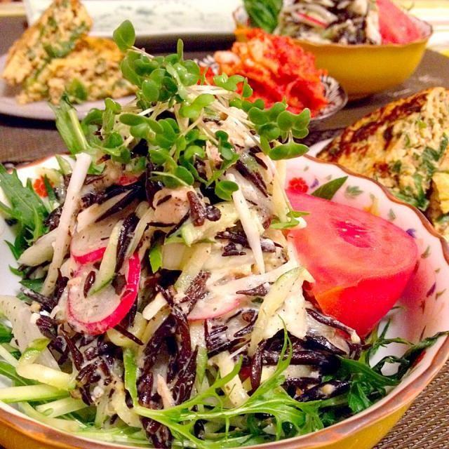 生ひじきは煮たりするより、やっぱりサラダが一番です♡ 新玉ねぎと合わせるこのサラダがお気に入りです☆ - 207件のもぐもぐ - 生ひじきと新玉ねぎのサラダ♡ by Mayutak