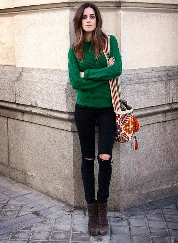 destroyed-jeans-street-style-green-tricot-bag