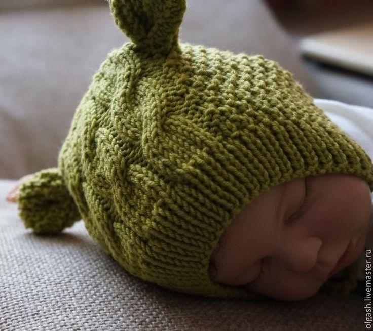 Купить или заказать 'Моя первая шапочка -Ушки ' в интернет-магазине на Ярмарке Мастеров. Шапочки для новорожденных должны быть максимально комфортными и удобными, плотно облегать крохотную головку, при этом не стягивая и не создавая дискомфорт. Модель ' Моя первая шапочка -Ушки' выполнена из высококачественной пряжи пр-ва Италии , связана спицами , без швов. Форма ее - это обычный чепчик , только выполнен из 100 % мериносовой шерсти, а маленькие ушки придад…