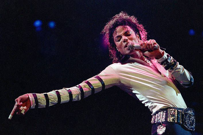 Michael Jackson's best dance music video: 'Thriller' or 'Smooth Criminal'?
