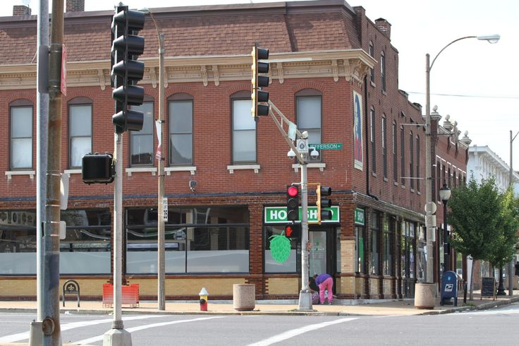 Craft Beer Seller, St. Louis Hop Shop Now Open in New Store  St. Louis, MO/October 14, 2017 (STLRestaurant.News) – The southwest corner of Cherokee Street and Jefferson Avenue in South St. Louis has been many things over the years. Several shops ...