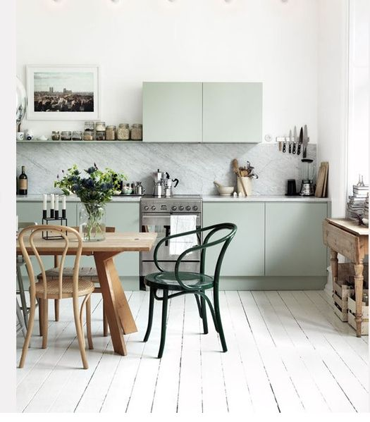 Mint kitchen: As Kitchens, Mintgreen, Mint Green, Kitchens Design, Green Cabinets, Interiors Design, Green Kitchens, Design Kitchens, Bentwood Chairs