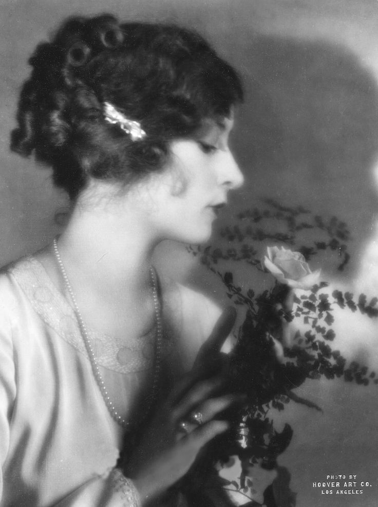 Actress Mildred Harris, 1920s. Did you know she was the first wife of Charlie Chaplin?