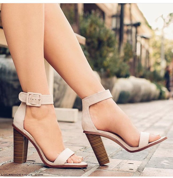 Casual thick heel shoes