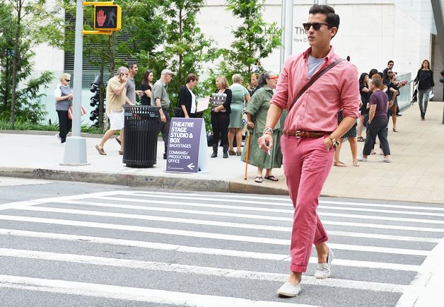 Masculine and monochrome: Street Fashion, Pink Men, Fashion Week, Men Fashion, Men Street Style, New York Fashion, Ton Street, Tommy Ton, Loud Style