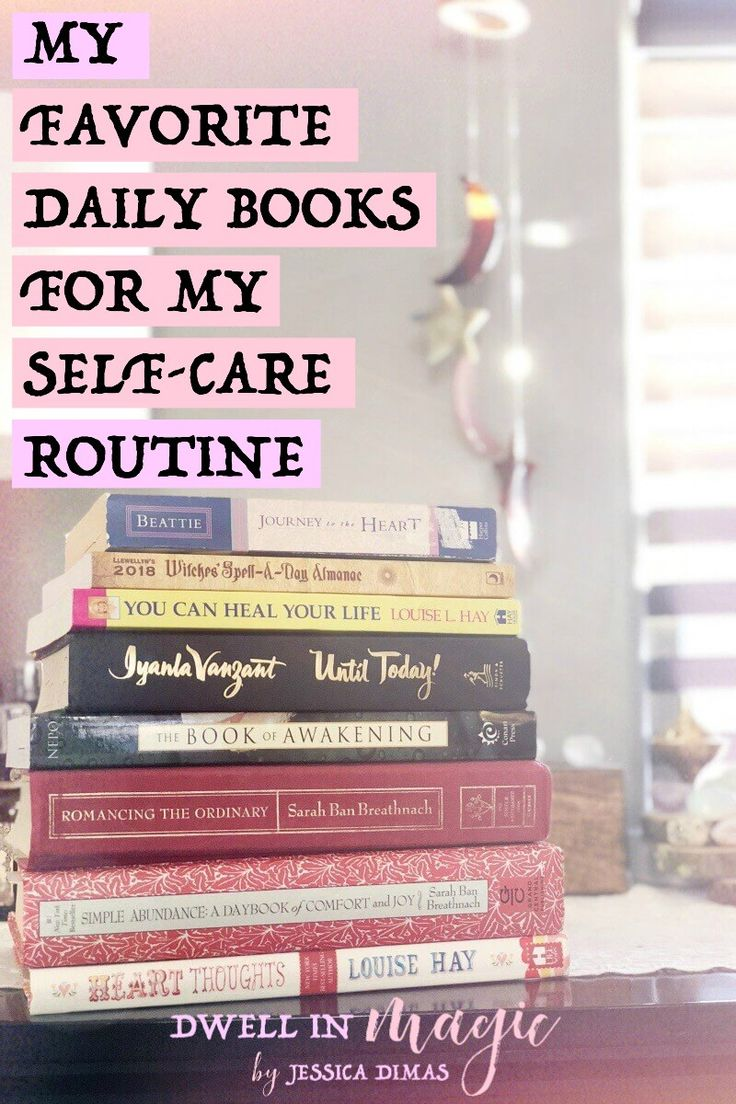 My favorite daily books that are quick, short reads and are perfect for a self-care routine #sacredselfcare #selfcaretips #selfcareblogger #mindsetbooks #selfcarebooks