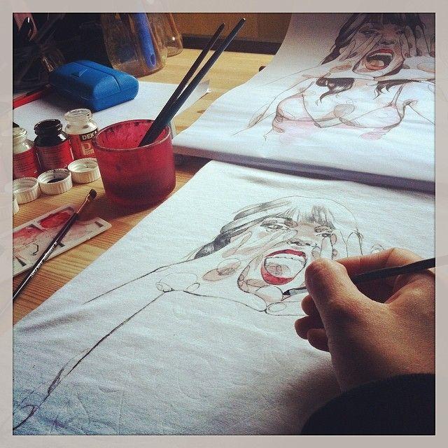 - Ang Varani TS - le TShirt dipinte a mano!!! la lavorazione della lavoratrice!!! ;)