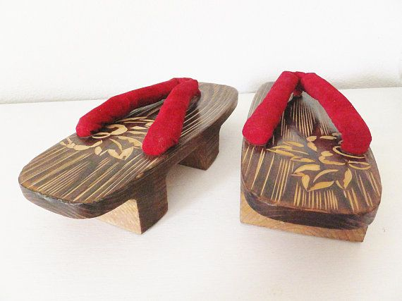 Vintage Japanese Sandals Geisha Style Red Asian Shoes Maiko Geta Shoes Raised Flip Flops Asian Shoes Mid Century Ja Asian Shoes Japanese Decor Vintage Japanese