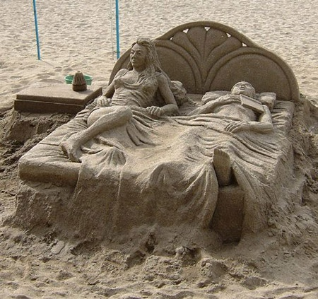 "Wow. Brings a whole new meaning to the phrase ""Sand Art"".Sand Art, Sandsculptures, Sands Castles, Beds, Sand Sculptures, Walleye, At The Beach, Sands Art, Sands Sculpture"