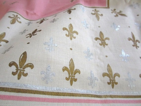 Vintage Tablecloth Fleur de Lis by NeatoKeen on Etsy, $64.00