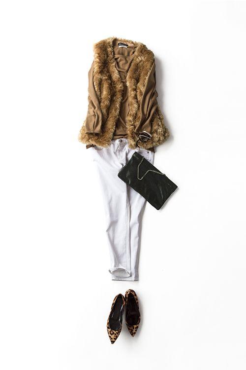 秋の始まりはベージュと白でさわやかに着る 2015-09-01 | top price :10,800 brand : ELFORBR | shoes brand : PIERRE HARDY